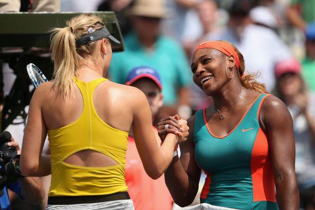 Сегодня. Майами. Мария ШАРАПОВА (слева) проиграла Серене УИЛЬЯМС. Фото AFP