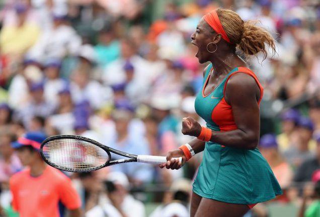 Серена УИЛЬЯМС радуется победе в Майами. Фото REUTERS