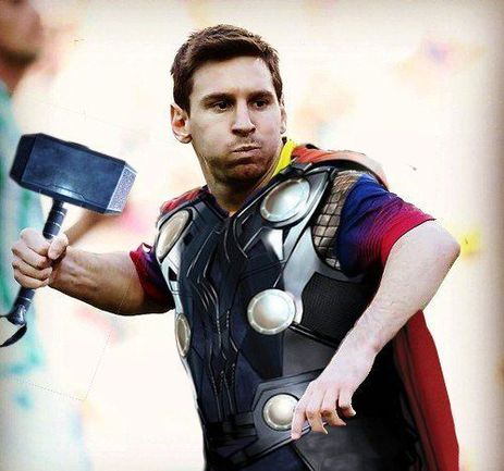 """Лидер атак """"Барселоны"""" Лионель МЕССИ идет на Мадрид. Фото vk.com"""