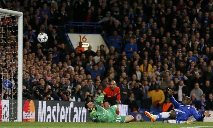 """Вчера. Лондон. """"Челси"""" - """"ПСЖ"""" - 2:0. 87-я минута. Демба БА забивает второй гол. Фото REUTERS"""