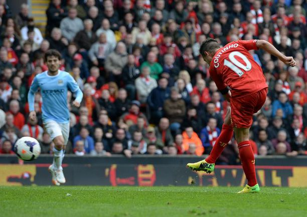 """Сегодня. Ливерпуль. """"Ливерпуль"""" - """"Манчестер Сити"""" - 3:2. 78-я минута. Гол Филиппе КОУТИНЬЮ. Фото AFP"""