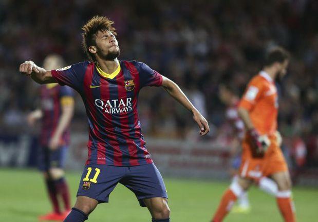 """Суббота. Гранада. """"Гранада"""" – """"Барселона"""" – 1:0. НЕЙМАР не может сдержать эмоций после очередного промаха. Фото REUTERS"""