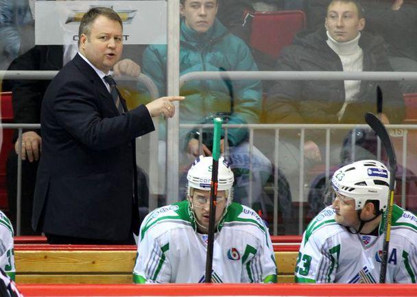 Владимир ЮРЗИНОВ (слева). Фото Игорь ЗОЛОТАРЕВ