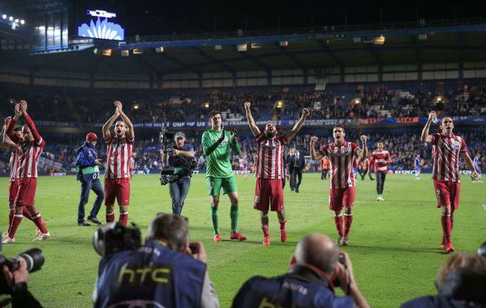 """Вчера. Лондон. """"Челси"""" - """"Атлетико"""" - 1:3. Футболисты испанского клуба празднуют победу в финал Лиги чемпионов. Фото AFP"""