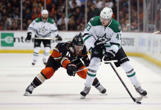 """Первый сезон в НХЛ форвард """"Далласа"""" Валерий НИЧУШКИН (№ 43) может занести себе в актив. Фото AFP"""