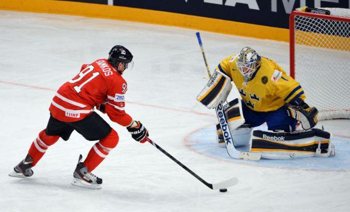 """На ЧМ-2013 канадцы остались без медалей и со Стивеном СТЭМКОСОМ в составе. На этот раз """"Кленовые"""" будут совсем беззвездными. И безнадежными? Фото AFP"""
