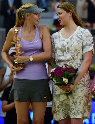Воскресенье. Мадрид. Мария ШАРАПОВА и Динара САФИНА. Фото AFP