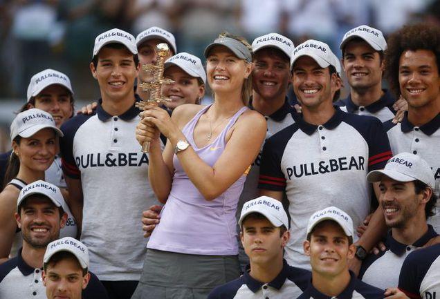 Воскресенье. Мадрид. Мария ШАРАПОВА - победительница турнира. Фото REUTERS