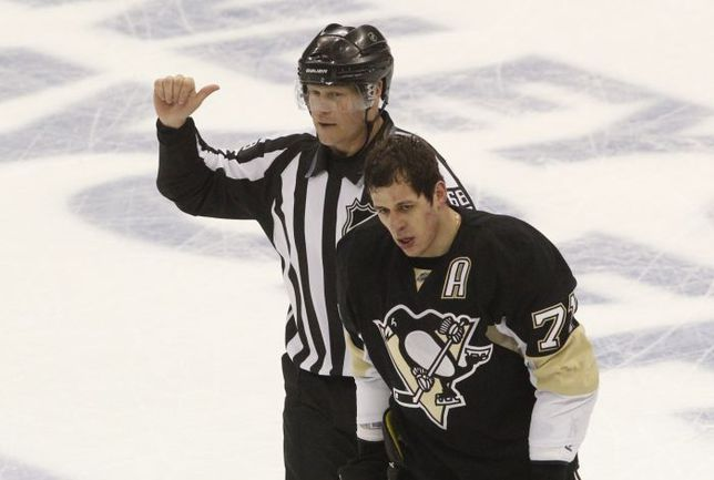 """Вторник. Нью-Йорк. """"Рейнджерс"""" - """"Питтсбург"""" - 2:1. Для нападающего """"Пингвинов"""" Евгения МАЛКИНА этот матч стал последним в сезоне НХЛ, и теперь он свободен для сборной. Фото USA Today"""