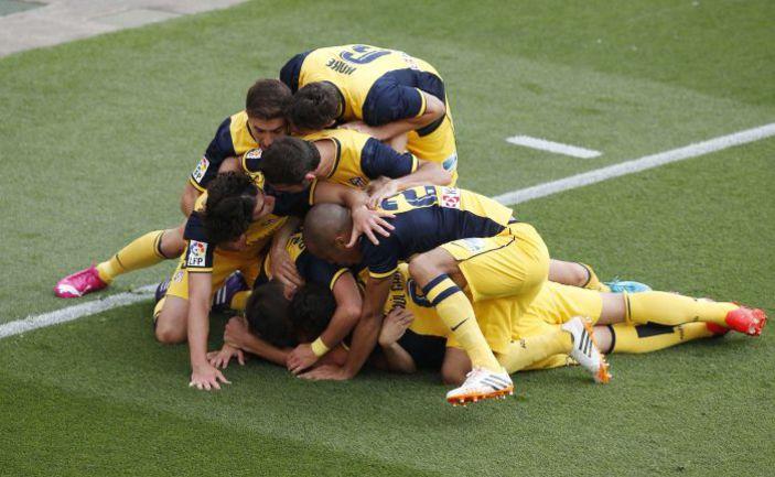 """Суббота. Барселона. """"Барселона"""" - """"Атлетико"""" - 1:1. 49-я минута. Только что мадридцы провели золотой гол. Фото REUTERS"""