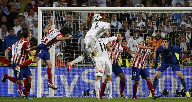 """Вчера. Лиссабон. """"Реал"""" - """"Атлетико"""" - 4:1 д.в. 90+3-я минута. Гол СЕРХИО РАМОСА. Фото REUTERS"""