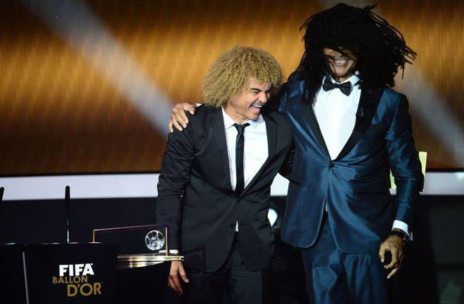 Карлос ВАЛЬДЕРРАМА и Руд ГУЛЛИТ любят пошутить. . Фото AFP