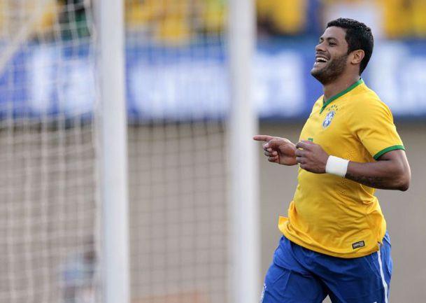 Вчера. Гояния. Бразилия – Панама – 4:0 (2:0). Автор третьего гола хозяев нападающий ХАЛК. Фото REUTERS