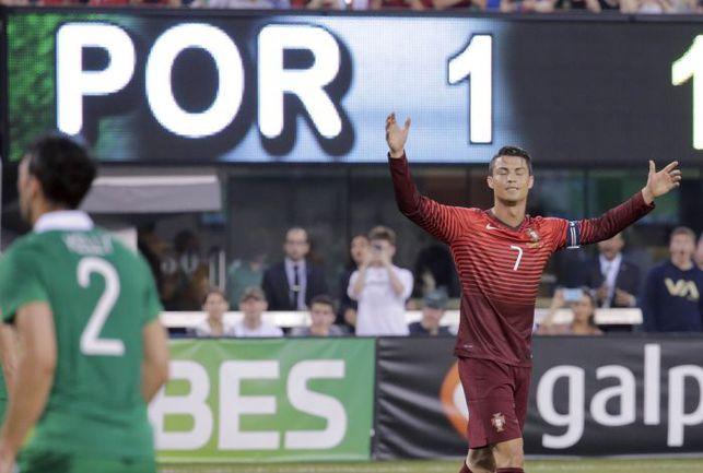 Вторник. Нью-Джерси. Ирландия - Португалия - 1:5. Европейские бразильцы вновь могут рассчитывать на своего лидера. Фото REUTERS
