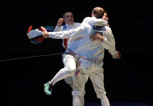 Среда. Страсбург. Сборная России празднует бронзу чемпионата Европы. Фото REUTERS