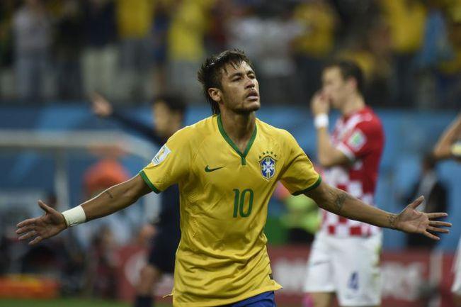 Четверг. Сан-Паулу. . Бразилия - Хорватия - 3:1. Нападающий сборной Бразилии НЕЙМАР. Фото AFP