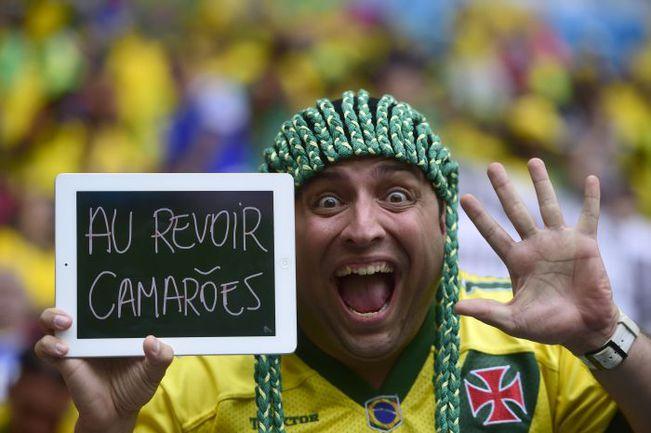 23 июня. Бразилиа. Камерун - Бразилия - 1:4. Болельщик сборной Бразилии. Фото AFP