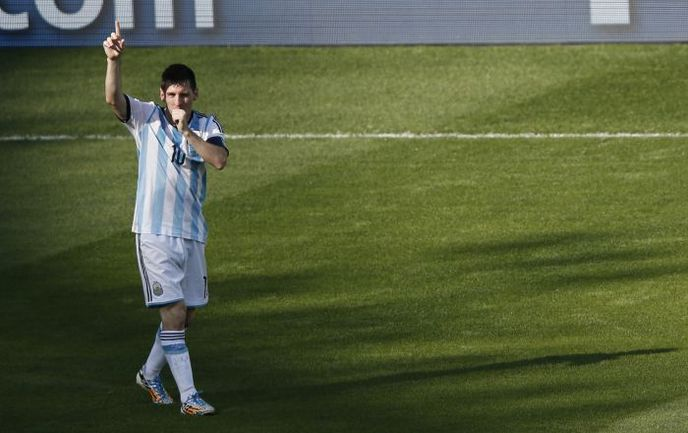 Лионель МЕССИ в одиночку тащит Аргентину на чемпионате мира. Фото REUTERS