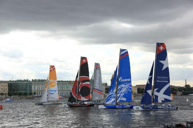 Флотилия Extreme Sailing Series на старте. Лина Холина. Фото Extreme Sailing Series