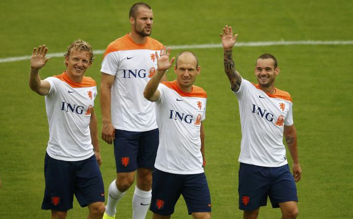 Сборная Голландии в хорошем настроении подходит к игре с Коста-Рикой. Фото REUTERS