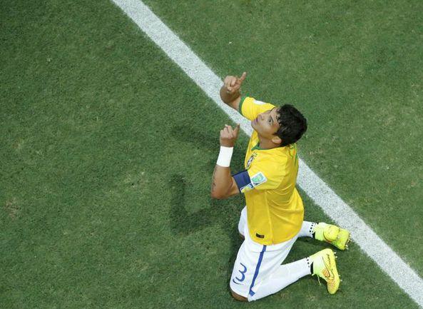 Пятница. Форталеза. Бразилия - Колумбия - 2:1. ТИАГУ СИЛВА. Фото REUTERS