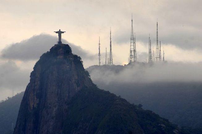 """Рио-де-Жанейро в тумане. Фото Александр ФЕДОРОВ, """"СЭ"""""""