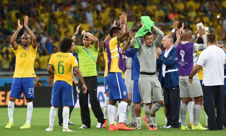 Сегодня. Белу-Оризонти. Бразилия - Германия - 1:7. Бразильцы потерпели сокрушительное поражение от немцев в полуфинале домашнего чемпионата мира. Фото AFP