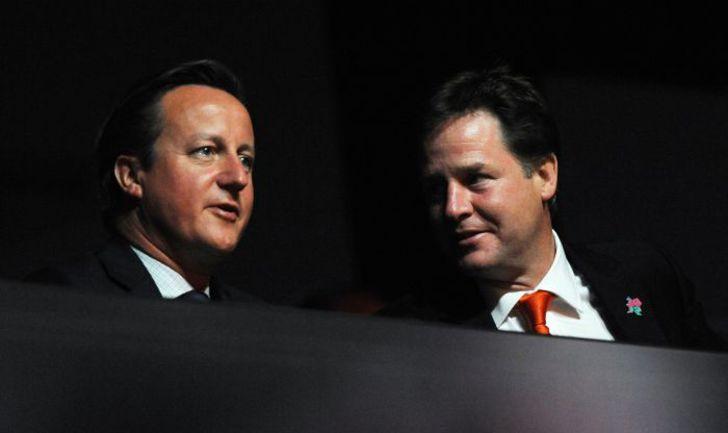 Британский премьер-министр Дэвид КЭМЕРОН и его вице-премьер Ник КЛЕГГ. Фото REUTERS