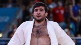 30 июля 2012 года. Лондон. Мансур ИСАЕВ побеждает японца Рики НАКАЮ в олимпийском финале категории до 73 кг.
