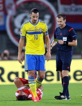 Вчера. Вена. Австрия - Швеция - 1:1. Златан ИБРАГИМОВИЧ ушел с поля без гола. Фото AFP