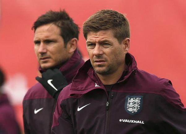 Фрэнк ЛЭМПАРД (слева) и Стивен ДЖЕРРАРД,несмотря на свои не самые лучшие взаимоотношения, долгое время были партнерами по сборной Англии. Фото REUTERS