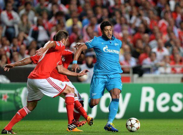 """Вторник. Лиссабон. """"Бенфика"""" - """"Зенит"""" - 0:2. Португальцы так и не смогли остановить ХАЛКА,. Фото REUTERS"""