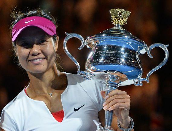 25 января 2014 года. Мельбурн. ЛИ НА - победительница Australian Open. Фото AFP