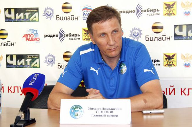 Михаил СЕМЕНОВ. Фото football-dv.ru