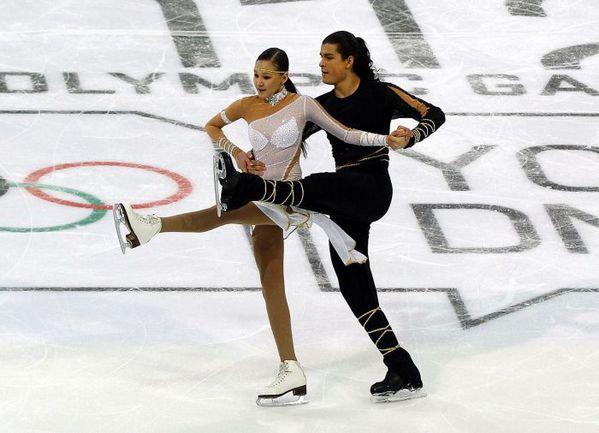 Январь 2012 года. Инсбрук. Казахские фигуристы Ильяс АЛИ и Карина УЗУРОВА на Юношеской олимпиаде были наказаны за слишком откровенное платье партнерши. Фото REUTERS
