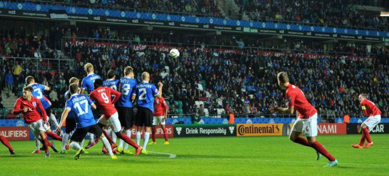 Вчера. Таллин. Эстония - Англия - 0:1. 74-я минута. Гол Уэйн РУНИ. Фото AFP