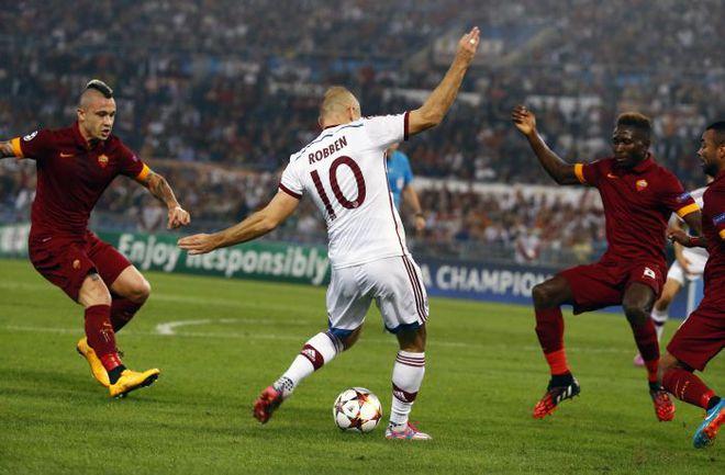 """Вторник. Рим. """"Рома"""" - """"Бавария"""" - 1:7. 9-я минута. Арьен РОББЕН (№10) открывает счет в матче. Фото REUTERS"""
