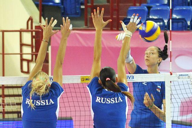 Лидер сборной России Екатерина ГАМОВА на тренировке команды. Фото Сергей ПОДЕЛЕНКО