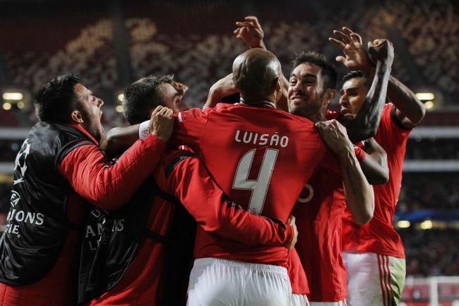 """Вчера. Лиссабон. """"Бенфика"""" - """"Монако"""" - 1:0. 82-я минута. Радость """"орлов"""" после победного гола. Фото AFP"""