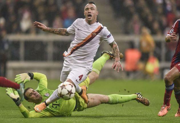 """Игроки """"Манчестер Сити"""" снова показали себя младенцами на европейской арене после того, как заработали два удаления и потерпели очередное поражение в Лиге чемпионов. Фото AFP"""
