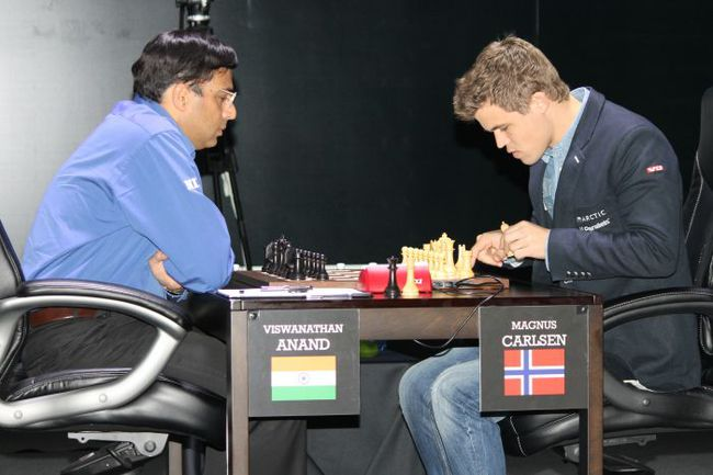 Четверг. Сочи. Магнус КАРЛСЕН (справа) и Вишванатан АНАНД. Фото fide.com