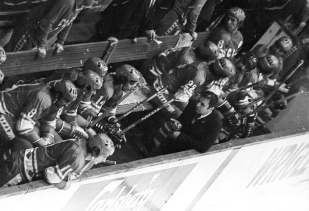 Виктор ТИХОНОВ добился больших успехов на тренерском мостике сборной. Фото Анатолий БОЧИНИН, photo.khl.ru