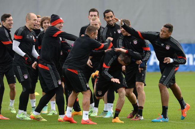 """Вчера. Мюнхен. """"Бавария"""" перед выездом в Манчестер - в отличном настроении. Фото AFP"""