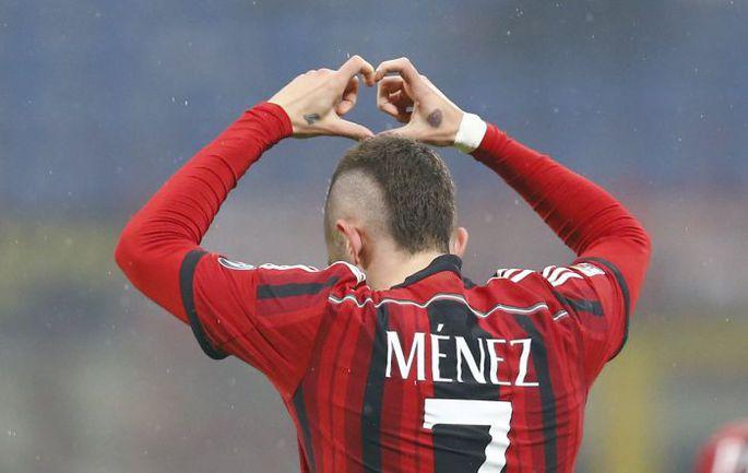 """Воскресенье. Милан. """"Милан"""" – """"Наполи"""" – 2:0. 6-я минута. Жереми МЕНЕЗ празднует гол. Фото REUTERS"""
