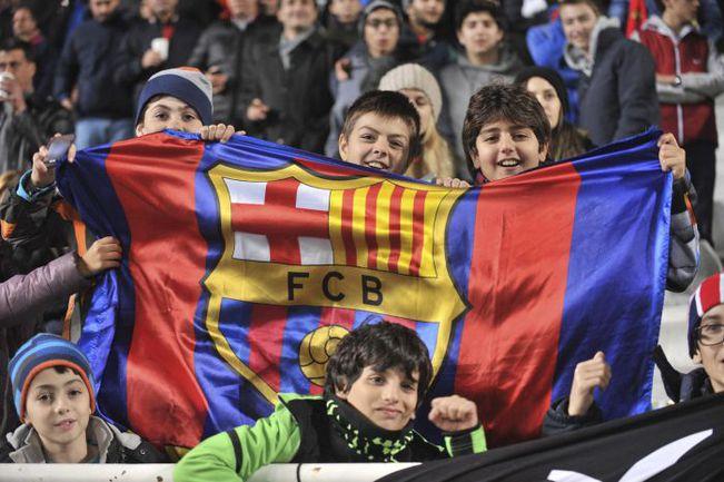 Типичная картина для Испании: на стадионах много женщин, детей и пенсионеров. Фото REUTERS