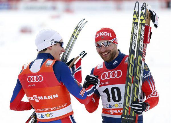 Воскресенье. Давос. Алексей ПЕТУХОВ (справа) и Финн Хаген КРОГ после финиша. Фото AFP