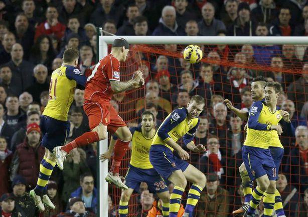 """Воскресенье. Ливерпуль. """"Ливерпуль"""" - """"Арсенал"""" - 2:2. 90+7-я минута. Гол Мартина ШКРТЕЛА. Фото REUTERS"""