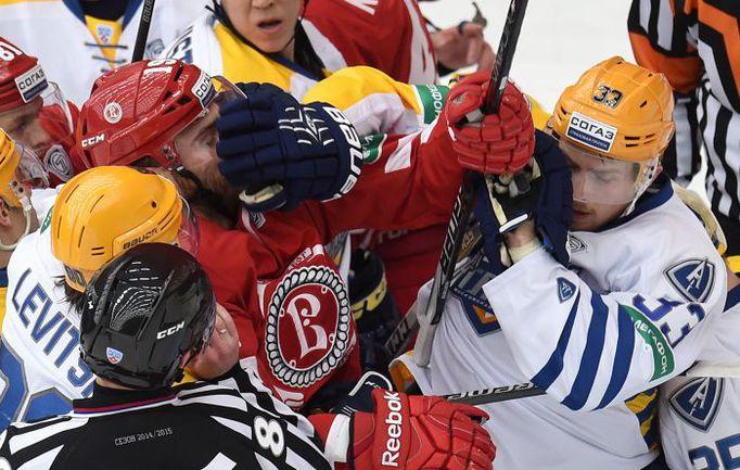 """Претендуя на плей-офф, """"Атлант"""" устраивает распродажу. Фото photo.khl.ru"""