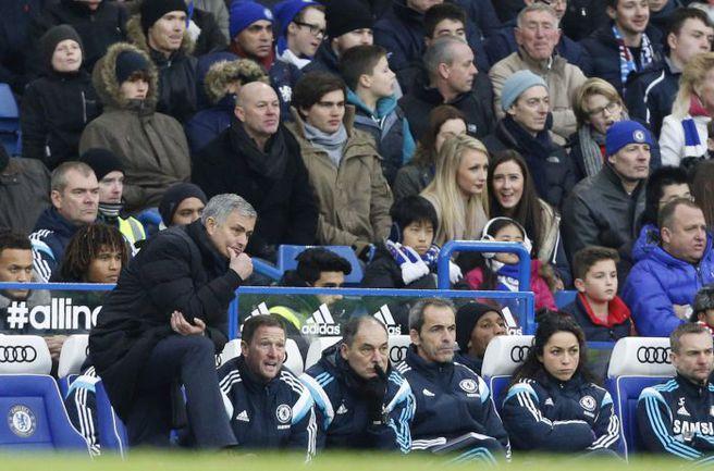 """Пятница. Лондон. """"Челси"""" - """"Вест Хэм"""" - 2:0. Жозе МОУРИНЬЮ. Фото AFP"""