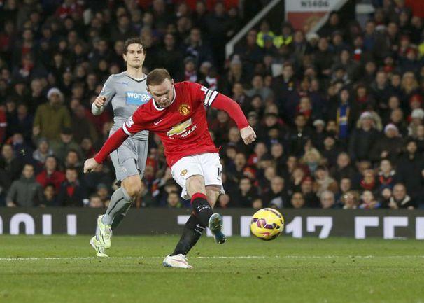 """Пятница. Манчестер. """"Манчестер Юнайтед"""" - """"Ньюкасл"""" - 3:1. Второй гол Уэйна РУНИ. Фото REUTERS"""